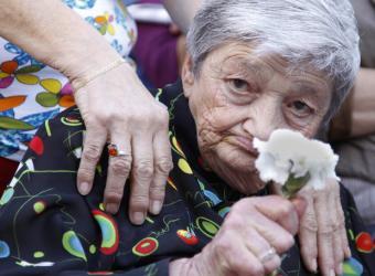 Homenaje a las personas muertas antes de recibir las ayudas de la ley de dependencia.- PEPE OLIVARES