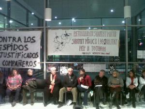 Explicació de la querella contra Boi Ruiz el 12 de desembre a l'Acampada de l'hospital de Sant Pau
